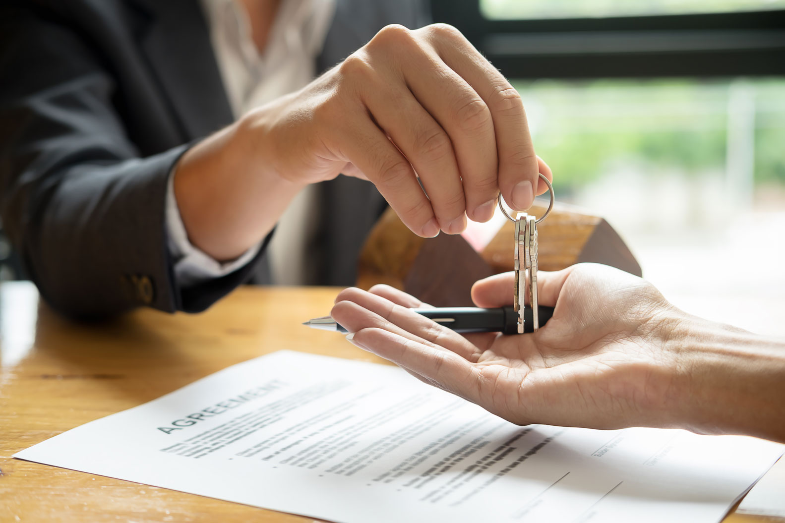 Purchasing a house with someone? What is the difference between tenants in common and joint tenant?